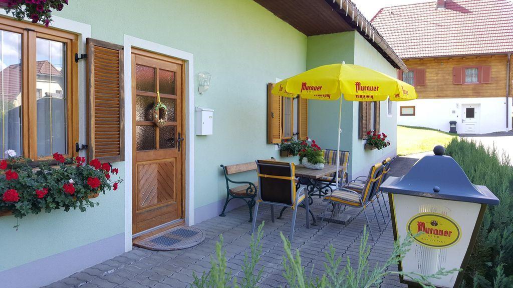 Ferienhaus Findling Sommer Ausenanlage - Ferienhaus Findling Sommer St. Lambrecht
