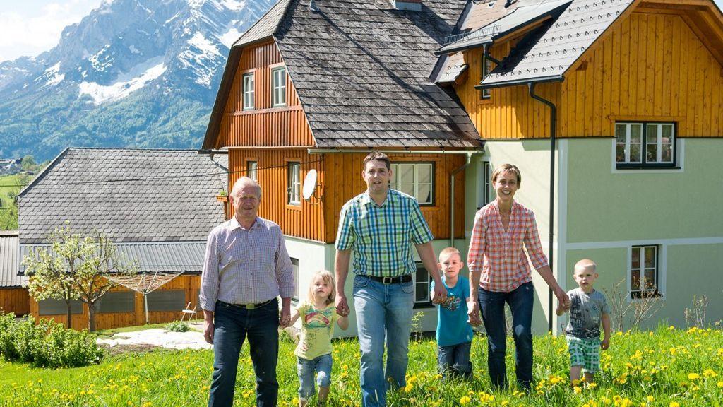 Huettstaedterhof Baby-u. Kinderbauernhof Grimming Mountain Region
