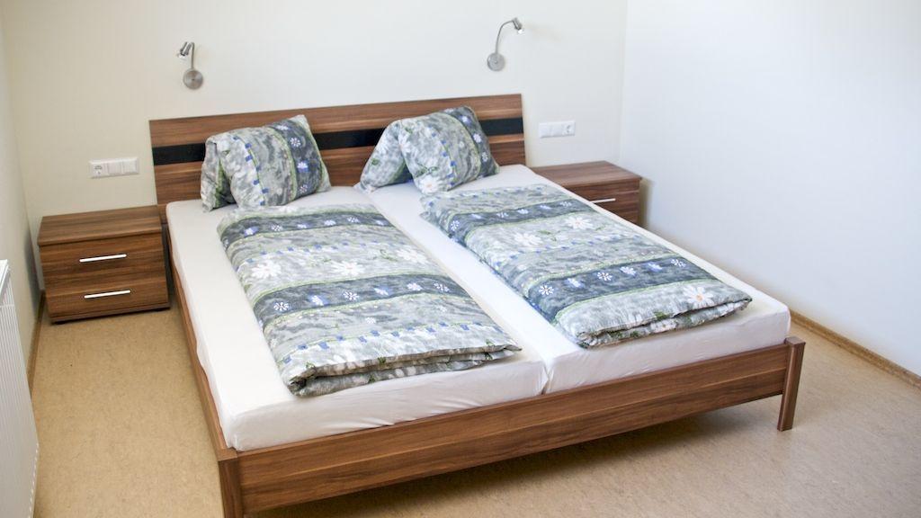 Schlafzimmer - Pension - Ferienhaeuser Waldruh - Tannenheim - Inge Faaker See