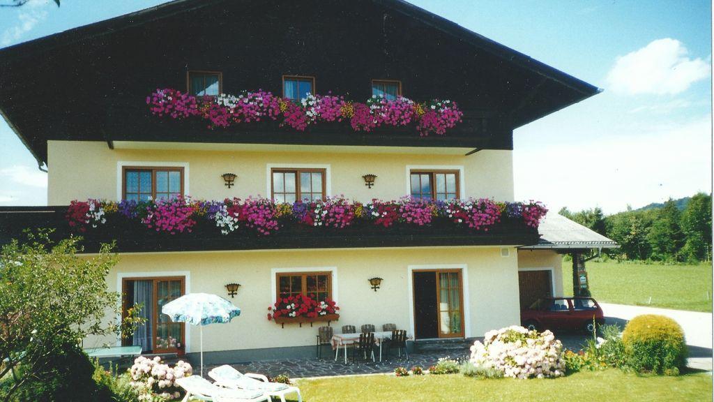 Gaestehaus Pichler (4 Edelweiß) St. Lorenz am Mondsee
