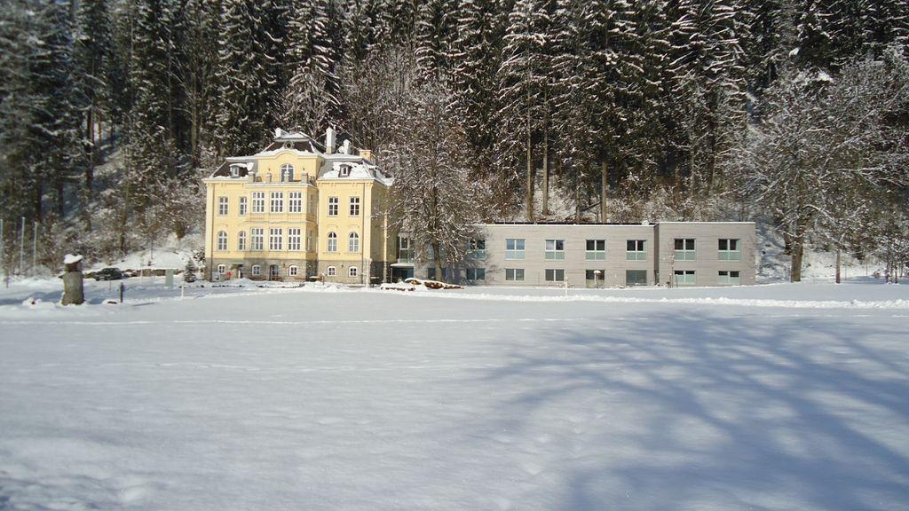 Winteransicht_Villa Sonnwend_Nationalpark Kalkalpen_Schneeschuhwandern