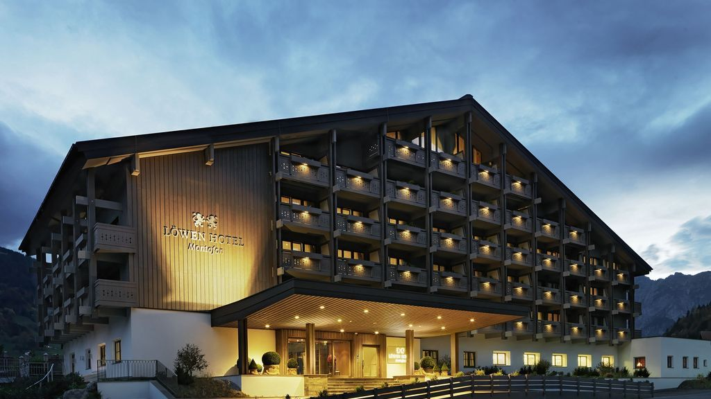 Hotelaussenansicht - LOEWEN HOTEL MONTAFON **** Schruns/Tschagguns