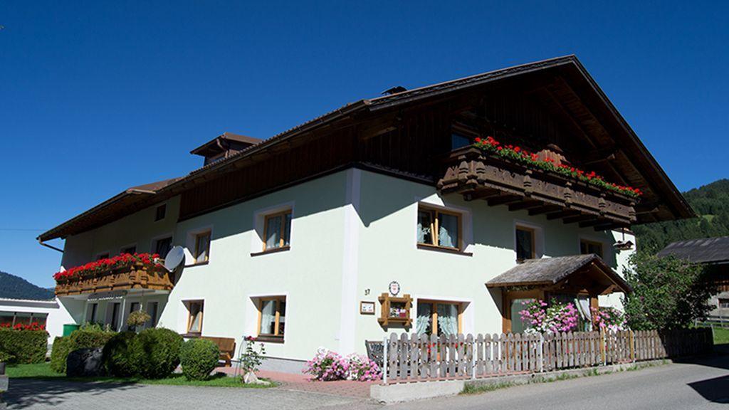 Gaestehaus Burtscher Tannheim