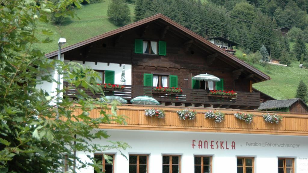 Ferienwohnungen/Hotel-Pension Faneskla Silbertal