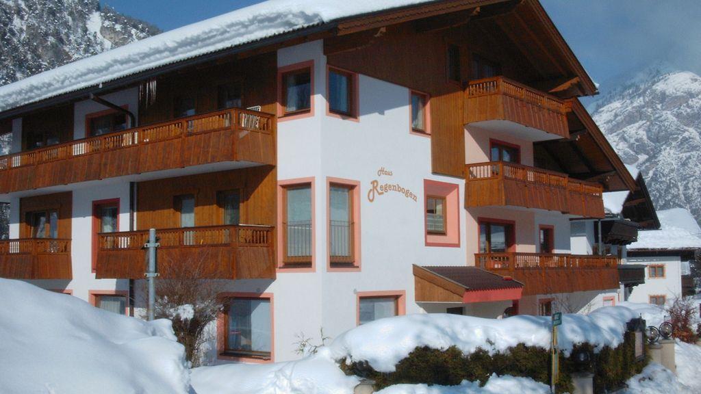 Winterbild Haus -  Achensee Apart Haus Regenbogen Pertisau am Achensee