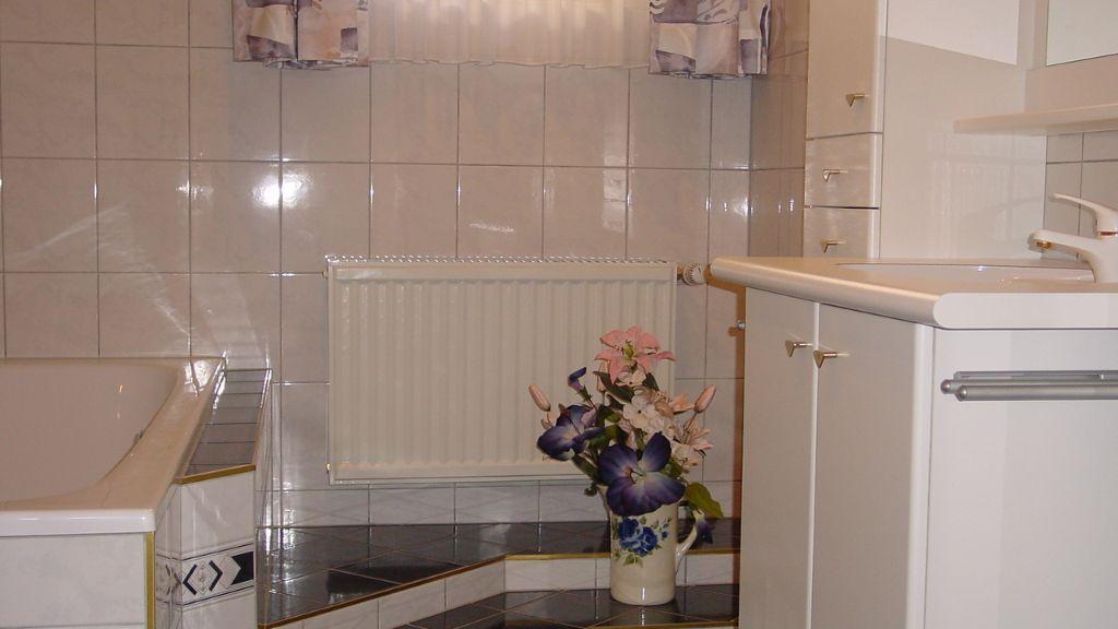 Bad Webhofer mit Dusche und Badewanne - Ferienwohnung Webhofer Außervillgraten