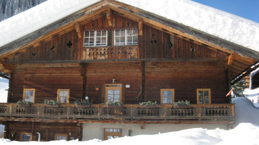 Appatement Senfterhaus: Eine exquisite Etage 130m2 im 200 Jahre altem Bauernhaus