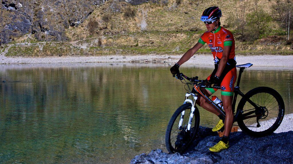 ... für den ambitionierten Mountainbiker gibt es zahlreiche Trails inmitten der Bergwelt. - Nassereith Tirol