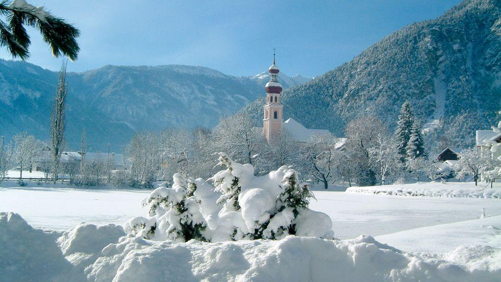 Atemberaubender Ausblick in die Winterlandschaft von Nassereith - Nassereith Tirol