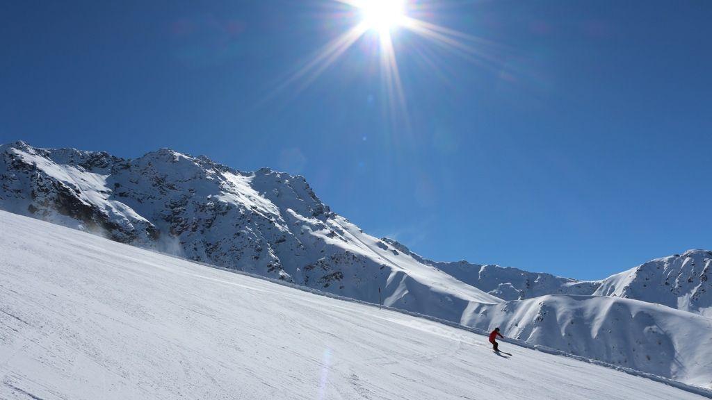 Skifahren im Tiroler Oberland - Foto: TVB Tiroler Oberland
