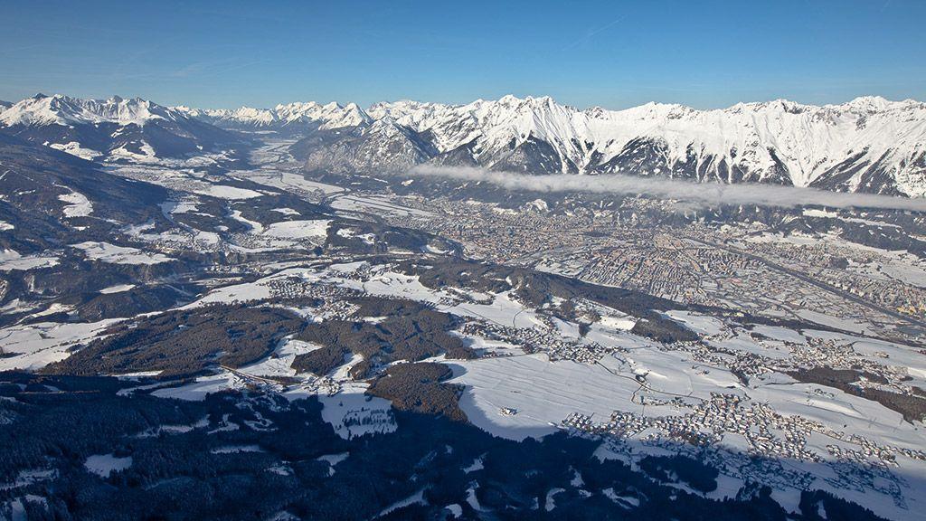 Blick auf Innsbruck - © Innsbruck Tourismus - Innsbruck und seine Feriendoerfer Tirol
