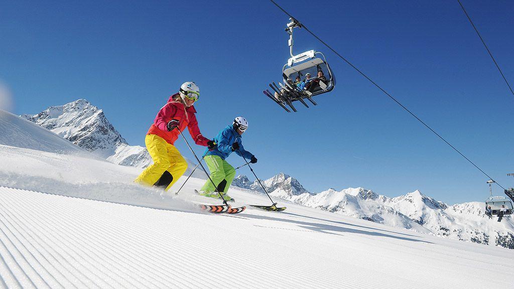 Skifahrer im Skigebiet Kühtai - © Innsbruck Tourismus - Innsbruck und seine Feriendoerfer Tirol
