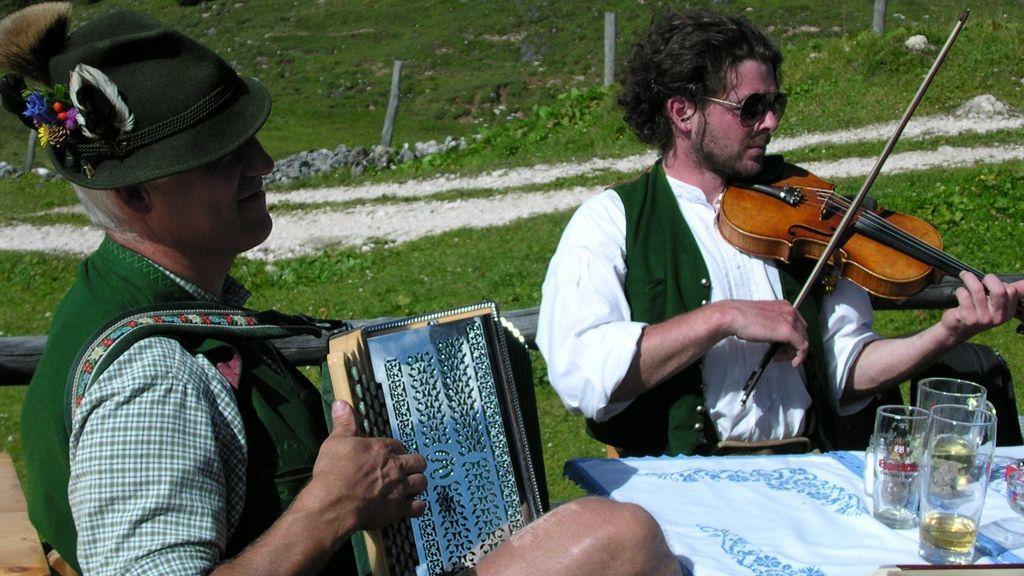 Geigenmusi Plankensteinalm - Foto: Grill Elisabeth