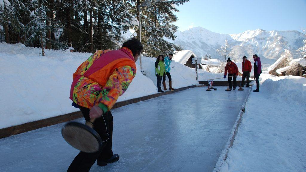 Eisstockschießen in Bad Goisern - Foto: Kraft Torsten