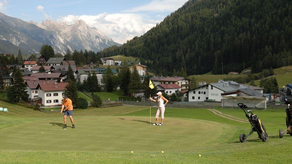 Nichts für Flachländer – der Golfplatz im St. Antoner Ortsteil Nasserein - Bildnachweis: Josef Mallaun