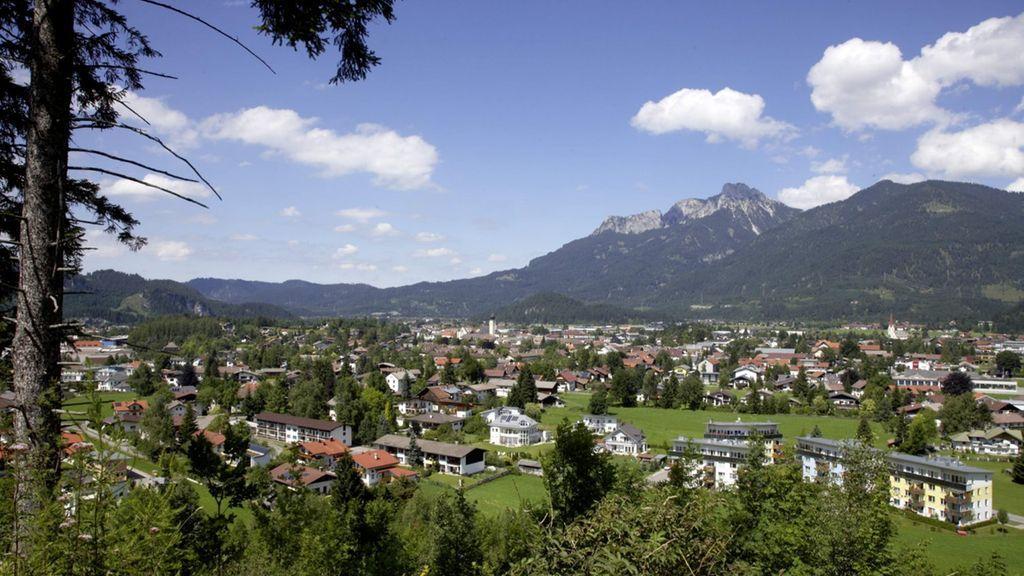 Überblick über den Talkessel von Reutte... - Reutte Tirol