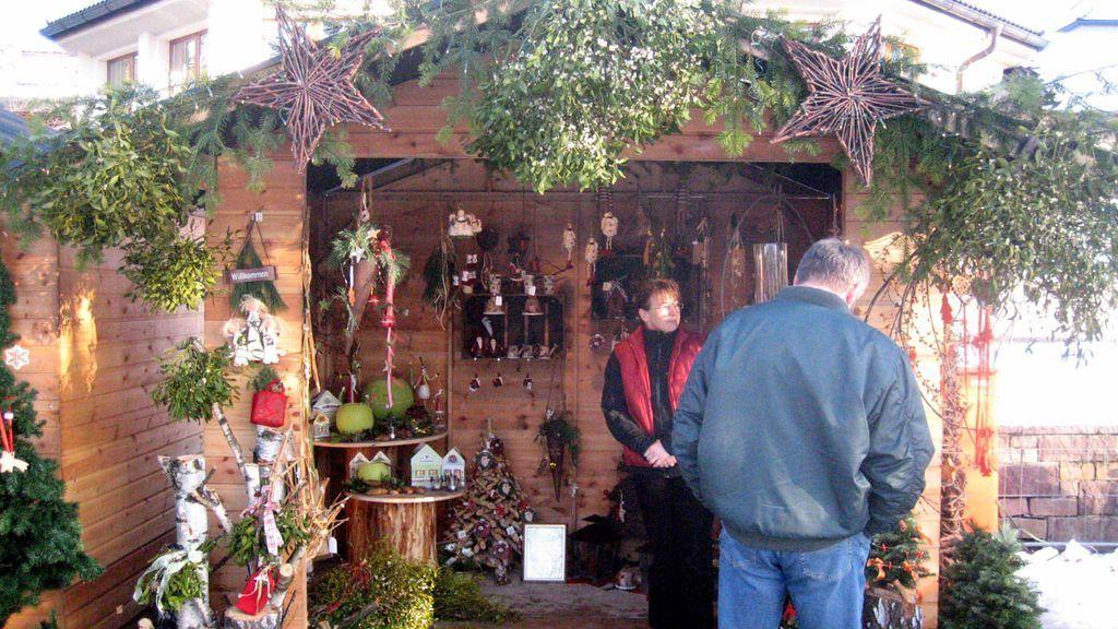 Der jährlich stattfindende Weihnachtszauber verzaubert wahrlich die Besucher mit weihnachtlicher Stimmung. - Reutte Tirol