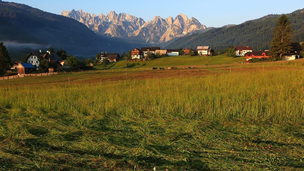 Gosaukamm in der Morgensonne - Foto: Ferienregion Dachstein Salzkammergut / Viorel Munteanu
