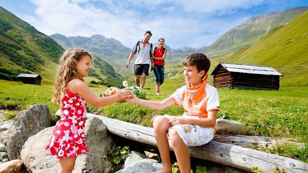 Kinderparadies - Copyright: artinaction.de
