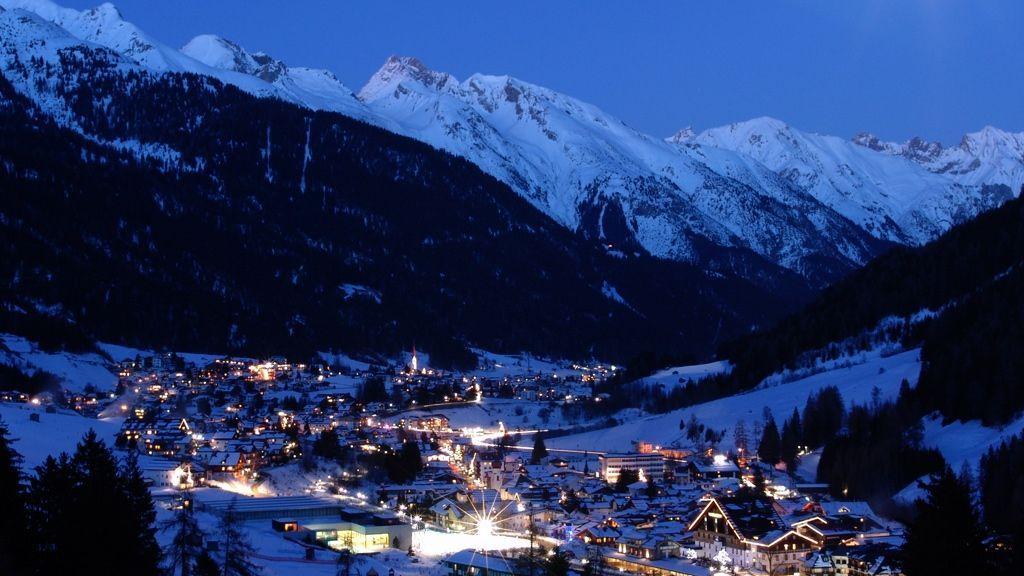 St. Anton bei Nacht - Bildnachweis: TVB St. Anton am Arlberg