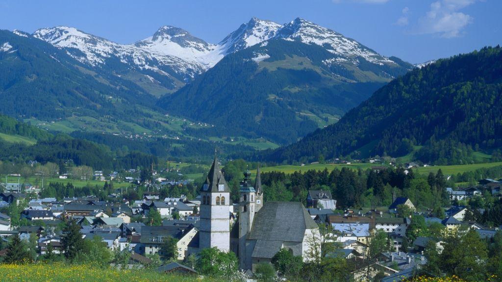 Blick auf Kitzbühel - © by Albin Niederstrasser