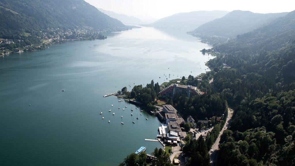 Österreich Kärnten Region Villach Ossiacher See Blick nach Osten vom Paragleiter aus LIK Fotoakademie_Marianne Feiler