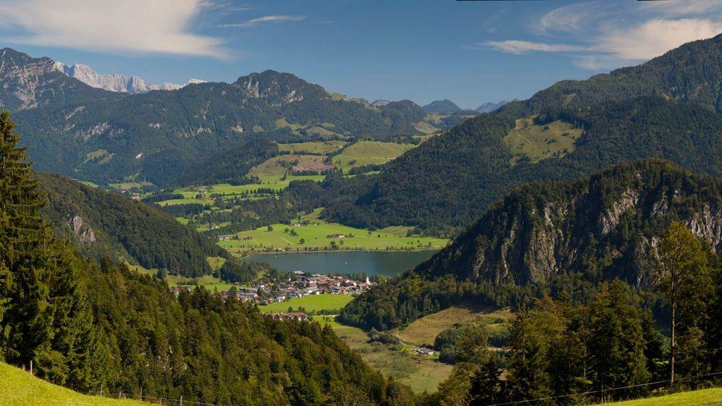 Panorama-der-Ferienregion-Kaiserwinkl Kaiserwinkl/Tirol