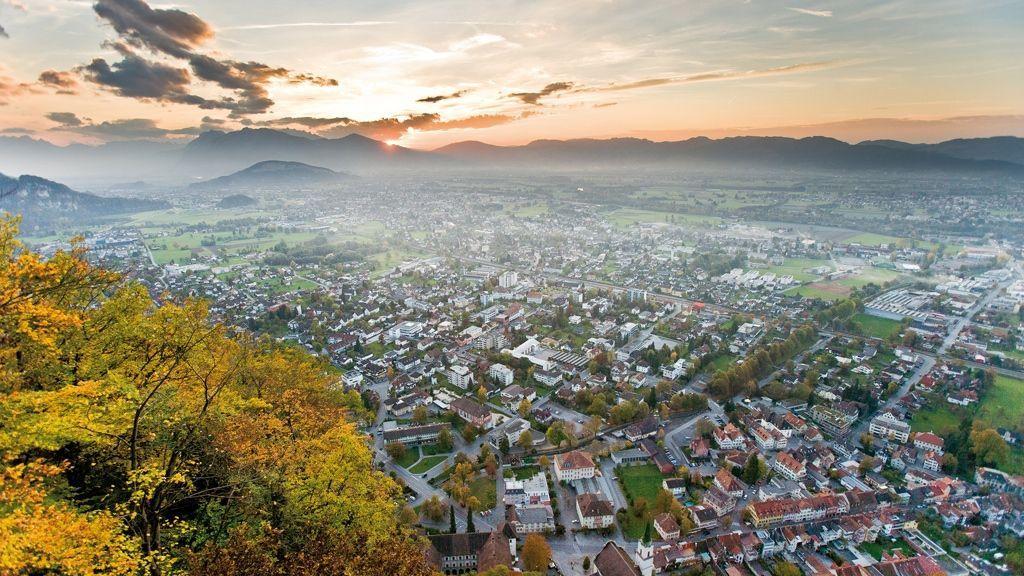 Hohenems, Blick vom Schloßberg Richtung Oberland - Foto: walser-image.com / Vorarlberg Tourismus