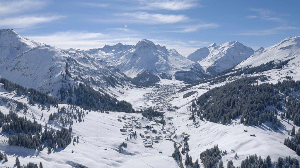 Lech Zuers am Arlberg, Luftbild von Lech - by Sepp Mallaun (c) LZTG