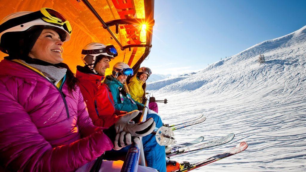 (c) Ikarus / Salzburger Sportwelt - Die Bergbahnen der Salzburger Sportwelt investieren jährlich in die Verbesserung und Modernisierung der Liftanlagen und in die Steigerung der Liftkapazitäten. Somit kommst du schnell und bequem auf die Skiberge.