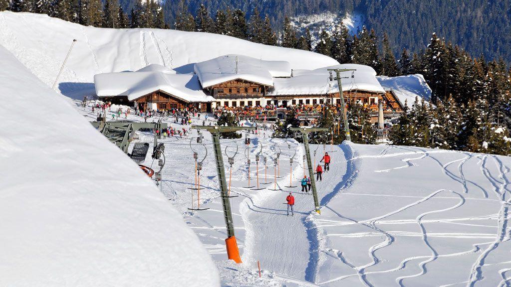 Skifahren im Zillertal - Foto: TVB Fügen / Wörgötter & Friends