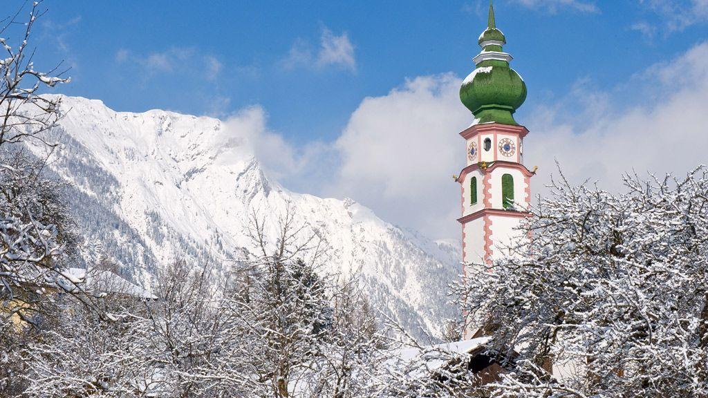 Breitenbach mit Kirche - Copyright:Alpbachtal Seenland Tourismus