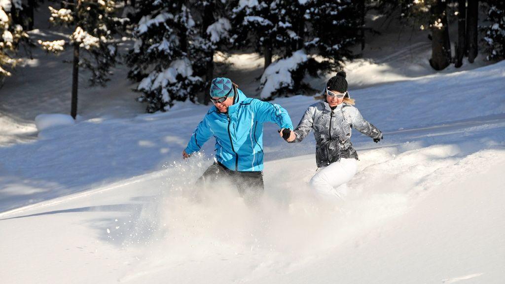 Winterwanderung durch den Neuschnee © TVB-Fügen/Wörgötter&friends