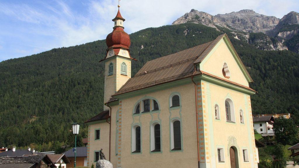 Medrazer Kirche in Fulpmes - Foto: TVB Stubai