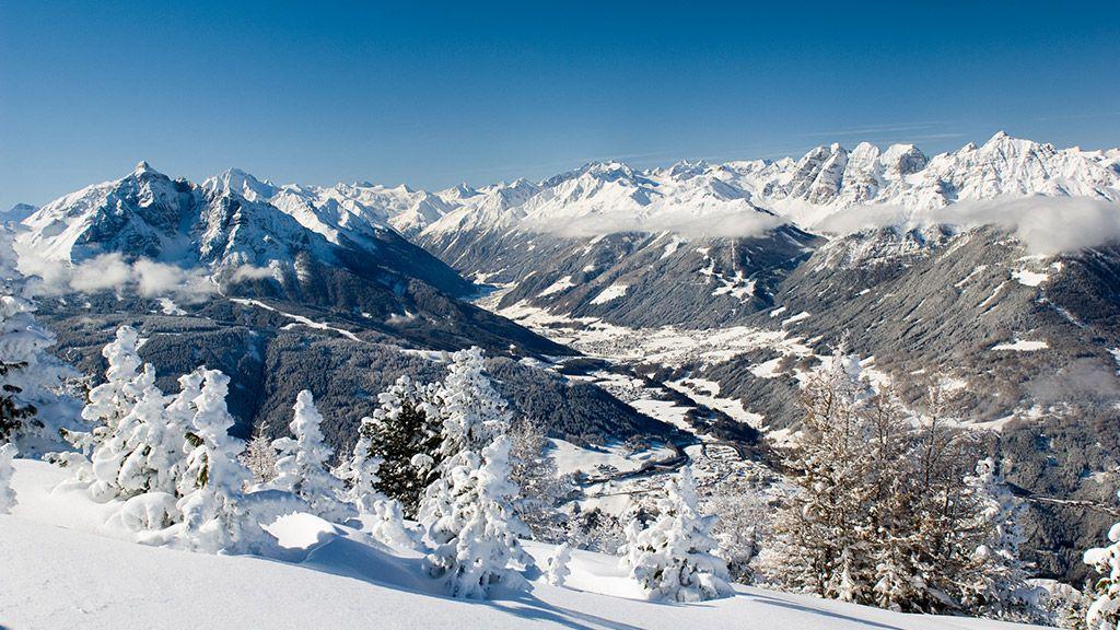 Panorama übers Stubaital - © TVB Stubai Tirol - Fulpmes im Stubaital Tirol