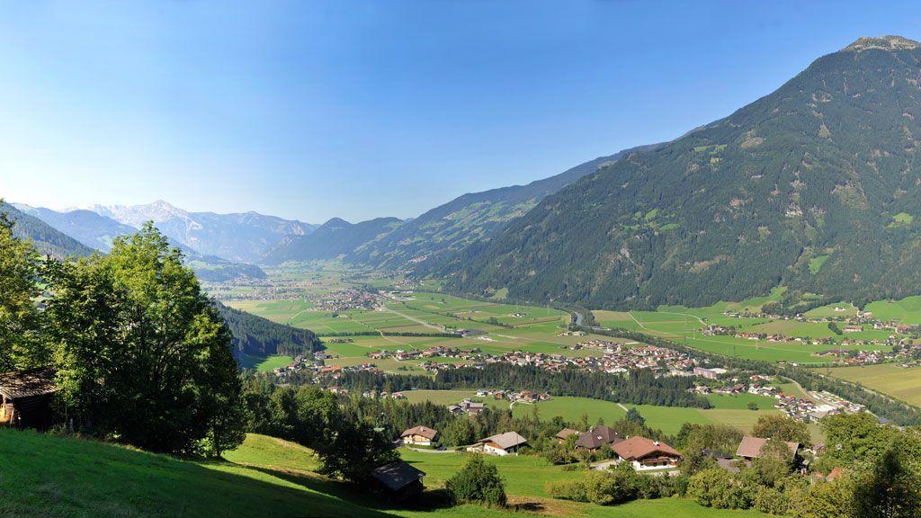 Panorama von Hart im Zillertal - Foto: TVB Fügen / Wörgötter & Friends