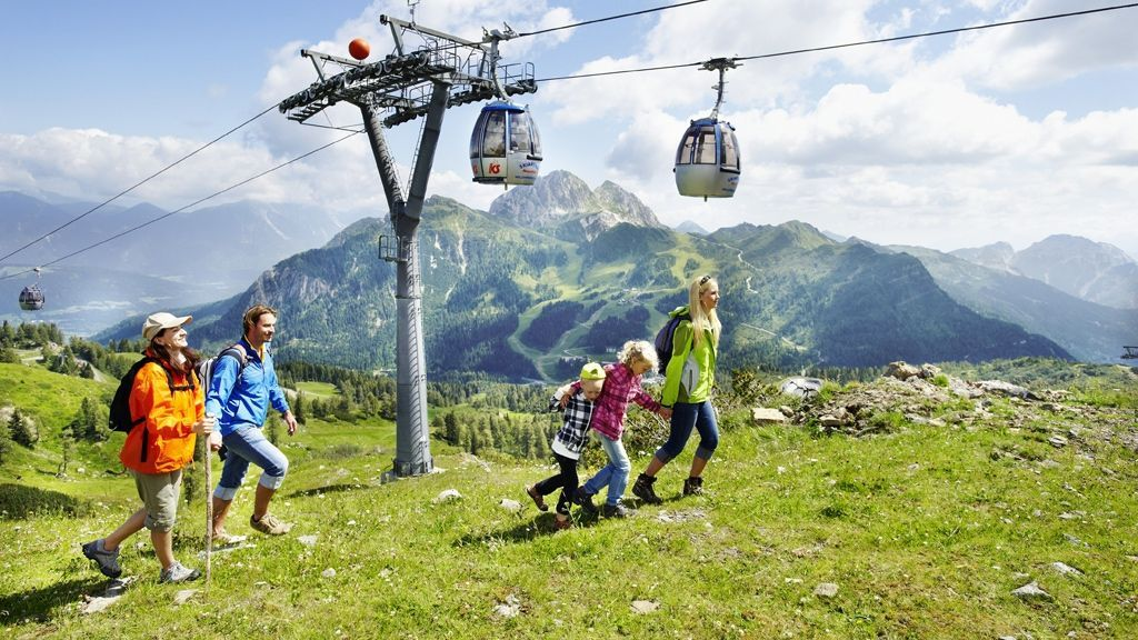 Wandern mit der Familie am Nassfeld © KIG Karnische Incoming GmbH