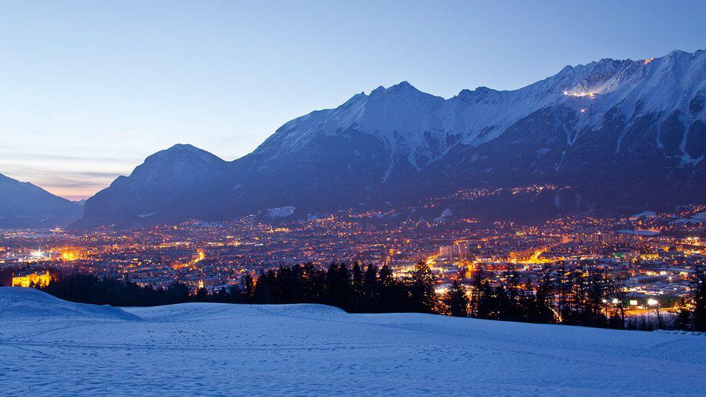 Dämmerung über Innsbruck - © Innsbruck Tourismus - Innsbruck Tirol