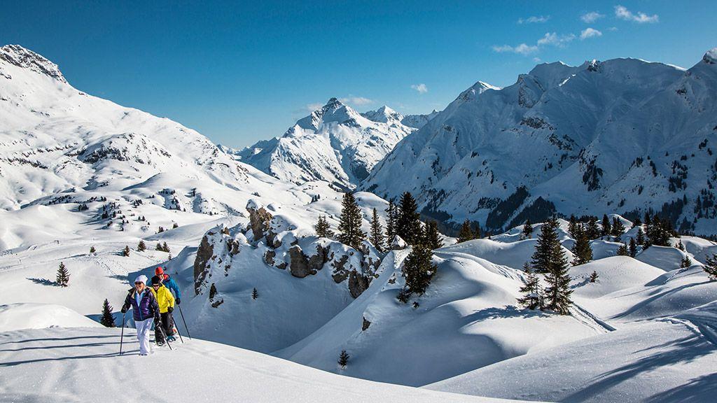 Schneeschuhwandern in Oberlech - © Lech Zürs Tourismus/Christoph Schoech - Lech am Arlberg Vorarlberg