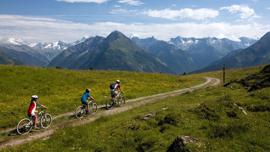 Biken mit Panoramablick - Foto: Mayrhofen