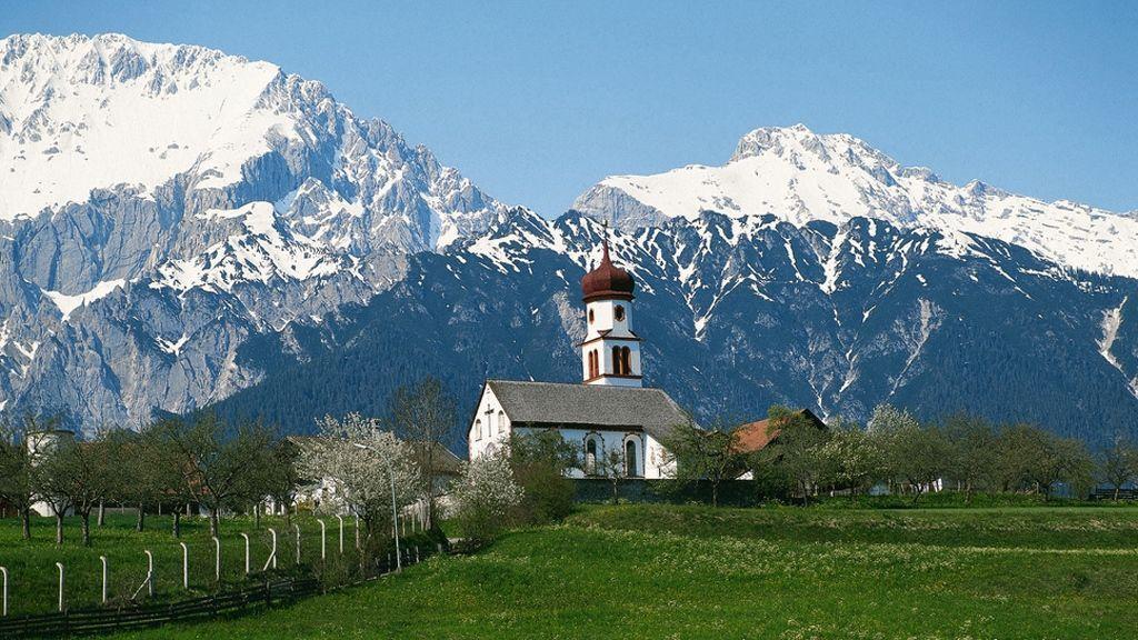 Dorfkirche von Mieming - Foto: Österreich Werbung/Ascher
