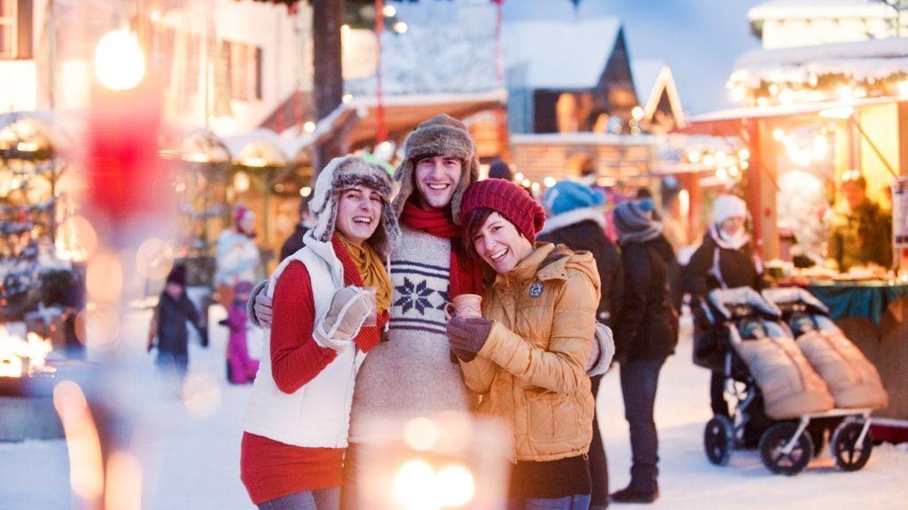 Bei den Weihnachtsmärkten liegt Adventzauber in der Luft - (c) Ikarus / Salzburger Sportwelt