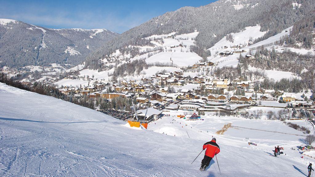 Skifahren mit Blick auf Bad Kleinkirchheim - Copyright: Bad Kleinkirchheim - Bergbahnen Bad Kleinkirchheim Bad Kleinkirchheim