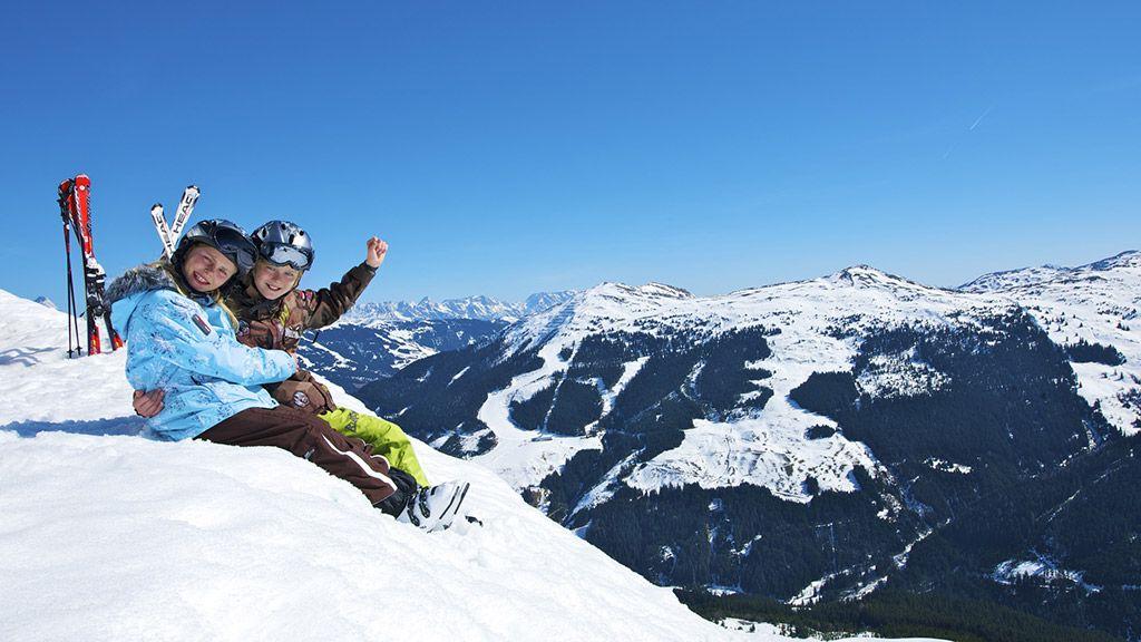 Familien-Skiurlaub in Saalbach Hinterglemm - © Saalbach Hinterglemm/Edward Groeger - Skicircus Saalbach Hinterglemm Leogang Saalbach-Hinterglemm