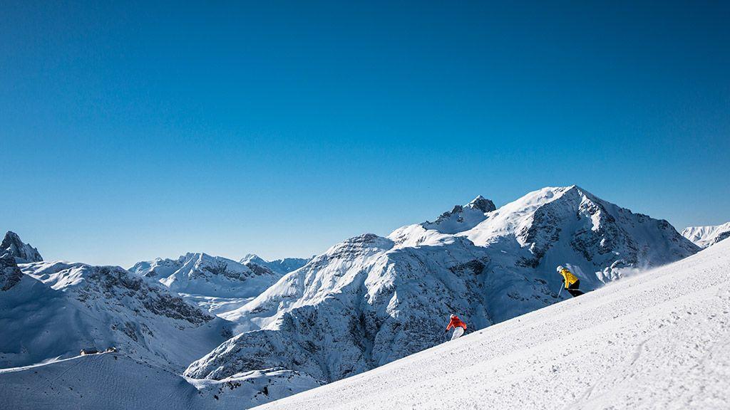 Skifahrer am Steinmähder in Lech - © Lech Zürs Tourismus/Christoph Schöch - Lech Zuers - Ski Arlberg Lech am Arlberg