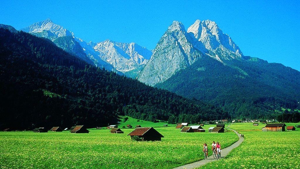 Der Waxenstein bei Grainau/Garmisch-Partenkirchen - Foto: BAYERN TOURISMUS Marketing GmbH