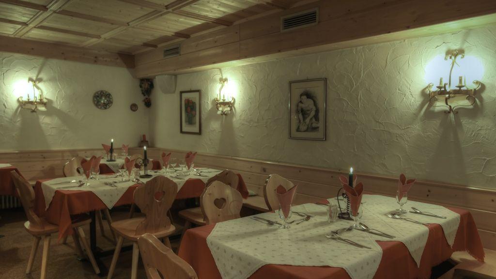 Restaurant / Frühstücksraum im Sommer