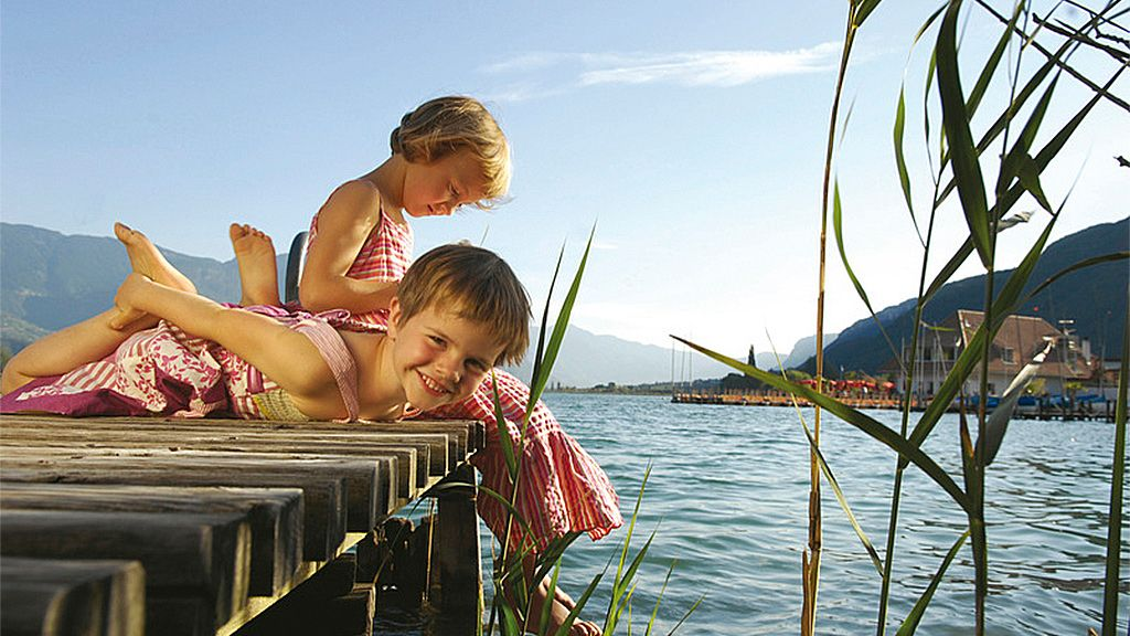 © SMG Südtirol Marketing - Kalterer See (Lago di Caldaro) Kaltern an der Weinstraße