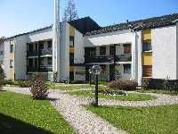 Wohnhausanlage im Sommer - Ferienwohnung Pelka Bad Toelz