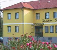 """- Pension """"Schlossblick"""" Fam.Toth-Golubits Nebersdorf-Grosswarasdorf"""